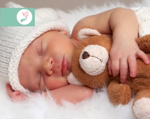 Cum doarme corect un bebeluș? Iată poziții de somn recomandate de kinetoterapeuți!